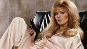 """Falleció la """"Chica Bond"""", Tanya Roberts a los 65 años"""