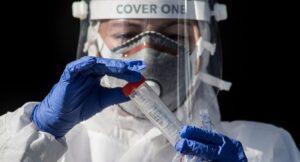 Virólogos investigan una posible nueva variante del SARS-CoV-2