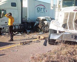 Carambola en la carretera I-35 de Laredo; 3 muertos