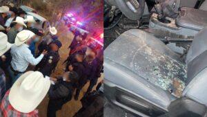 Policías intentan suspender jaripeo y los corren a pedradas y palazos