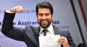 ¡Ya agarró hueso! Arturo Carmona se postula como candidato a diputado por Nuevo León