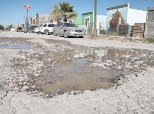 Enrique Rivas ineficiente y Nuevo Laredo lleno de baches