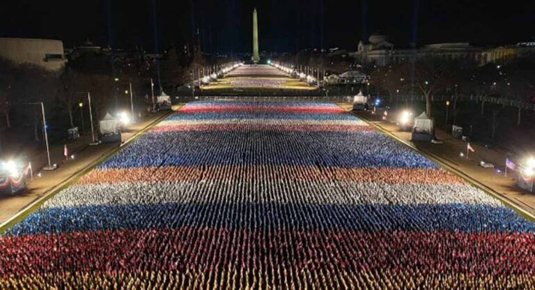 200 mil banderas representan a los ciudadanos de EEUU