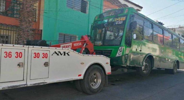 El camión del chofer agresor fue llevado al corralón