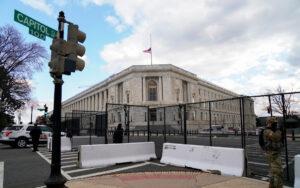Cierran el Capitolio por amenaza externa