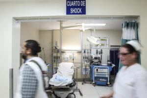 Retira el Estado a 204 médicos y enfermeras de Nuevo Laredo