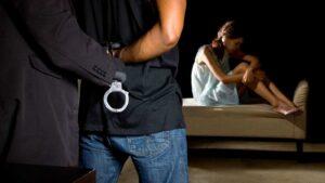 Detienen a 3 adolescentes por abusar en grupo de quinceañera