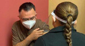 """24 horas después de la vacuna covid: """"solo dolor en el brazo"""""""