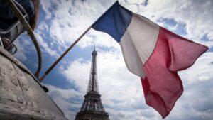 Covid-19: Francia decreta toque de queda en todo el país