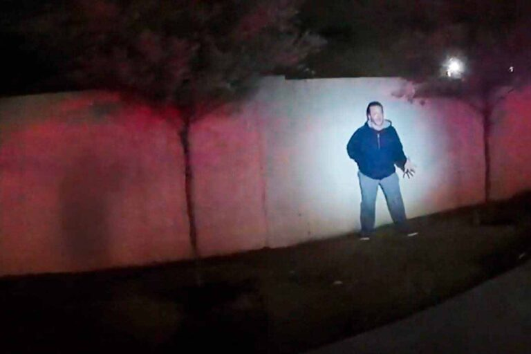 El hombre fingió ante los policías que estaba armado