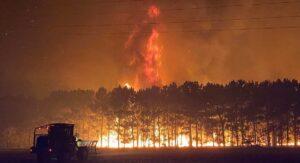 Alerta y evacuaciones en Australia por incendio forestal fuera de control