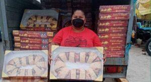 'Lady Rosca': La maltratan en FB por comprar roscas en 99 pesos y venderlas en 150