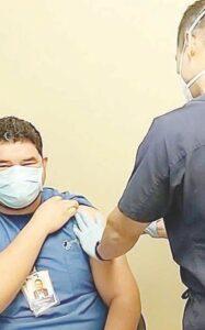 Exigen en Laredo, Texas alto a favoritismo con vacunas anti covid-19