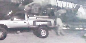 Intenta robar tractor