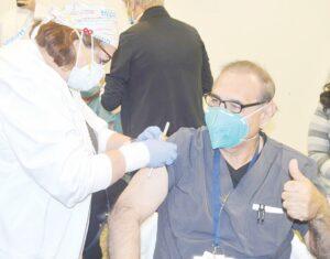 Se agotan en minutos citas para vacunas en Laredo, Texas