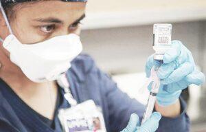 Pondrán control en vacuna anti Covid-19 en Laredo, Texas