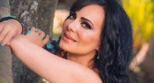 Maribel Guardia celebra que está libre de covid posando con mini bikini