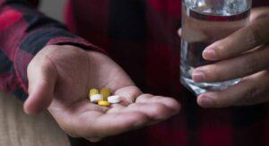 Estos son los 4 medicamentos que no debes tomar si tienes covid