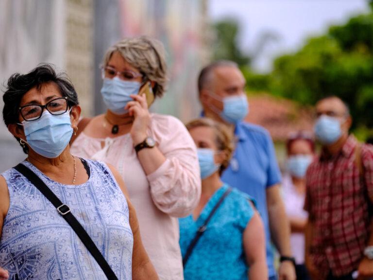mexicanos viajan eeuu vacunarse covid19
