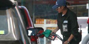 Mitos sobre el ahorro de gasolina que ya no funcionan y sigues haciendo