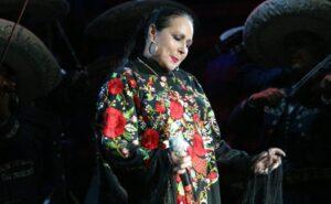 Pepe Aguilar revela detalles de la muerte de su madre Flor Silvestre