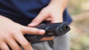Joven de Laredo se lesiona por accidente con pistola