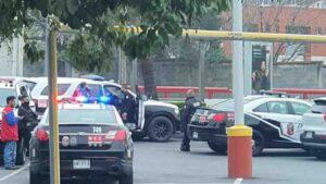 Robo en plaza comercial de San Pedro; se llevan auto y 180 mil pesos