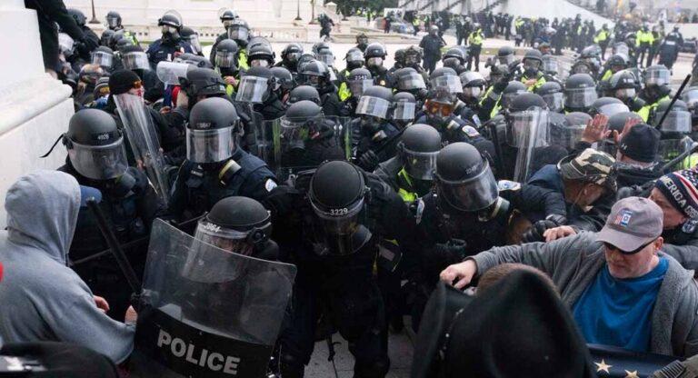 Fuertes críticas de la actuación de la policía en los disturbios del Capitolio.