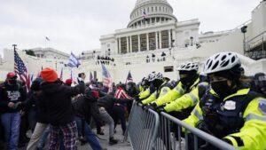Advierte FBI de posibles protestas armadas de seguidores de Trump