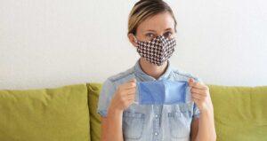 ¿Sirve usar dos cubrebocas al mismo tiempo contra el coronavirus?