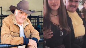 Vicente Fernández pide perdón por tocarle el pecho a una mujer