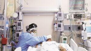 Agregan a hospitales 20 camas en 30 años