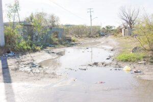 Desperdician agua por múltiples fugas