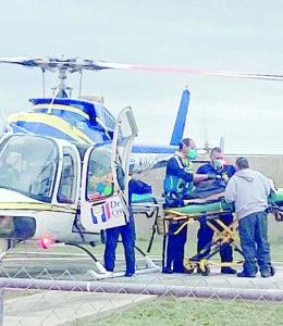 Cae mujer a noria; la rescatan agentes