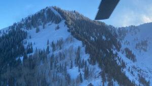 Jóvenes quedaron bajo nieve tras avalancha en Utah