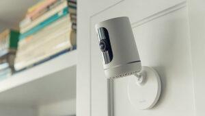 Técnico de cámaras de seguridad espió durante 4 años a mujeres en sus hogares