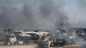VIDEO: 500 autos estallan en llamas tras la explosión de un camión cisterna