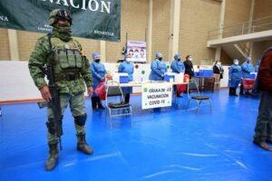 Inician vacunas para adultos mayores en Nuevo León