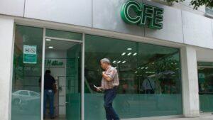 AMLO pide a CFE liberar información sobre apagón