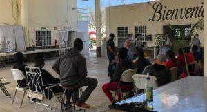 Migrantes saturan albergues en la frontera, en espera de asilo en EEUU