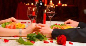 Piden a enamorados moderar festejos de San Valentín