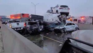 Muertos y múltiples heridos en accidente de 70 autos en Texas