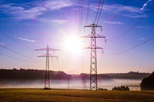 Aprueba Comisión de Energía reforma eléctrica