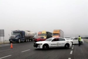 Cierran Autopista a Saltillo por niebla