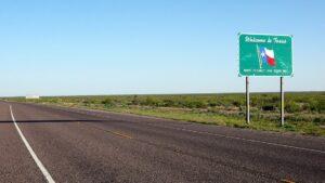 Cierran I-35 y más puntos carreteros por frío extremo