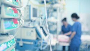 Hospitalizada por Covid da a luz y conoce a su bebé 3 meses después (FOTO)