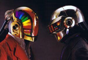 Daft Punk: Así se crearon los icónicos cascos del dúo (VIDEO)