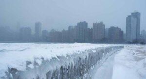 Suman 22 muertos por ola de frío en EU y norte de México
