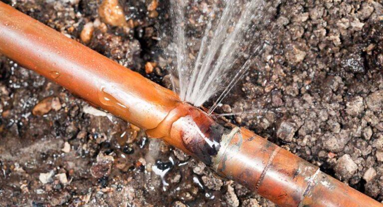 Cuidado con las fugas de agua internas que no se ven