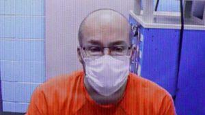 Hombre destruye vacunas anti Covid por ser 'obra del diablo'